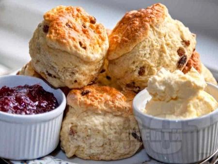 Английски пухкави и хрупкави курабии за чай - снимка на рецептата